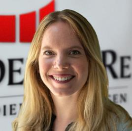 Julia Ganswind, Recruiterin