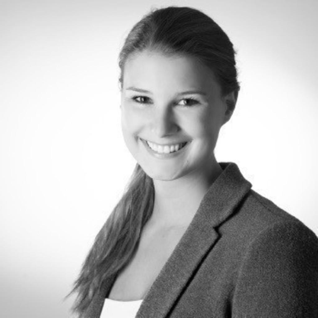 Malika Lehmann, Recruiterin Office
